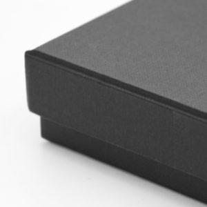20059-box-A5-black-2
