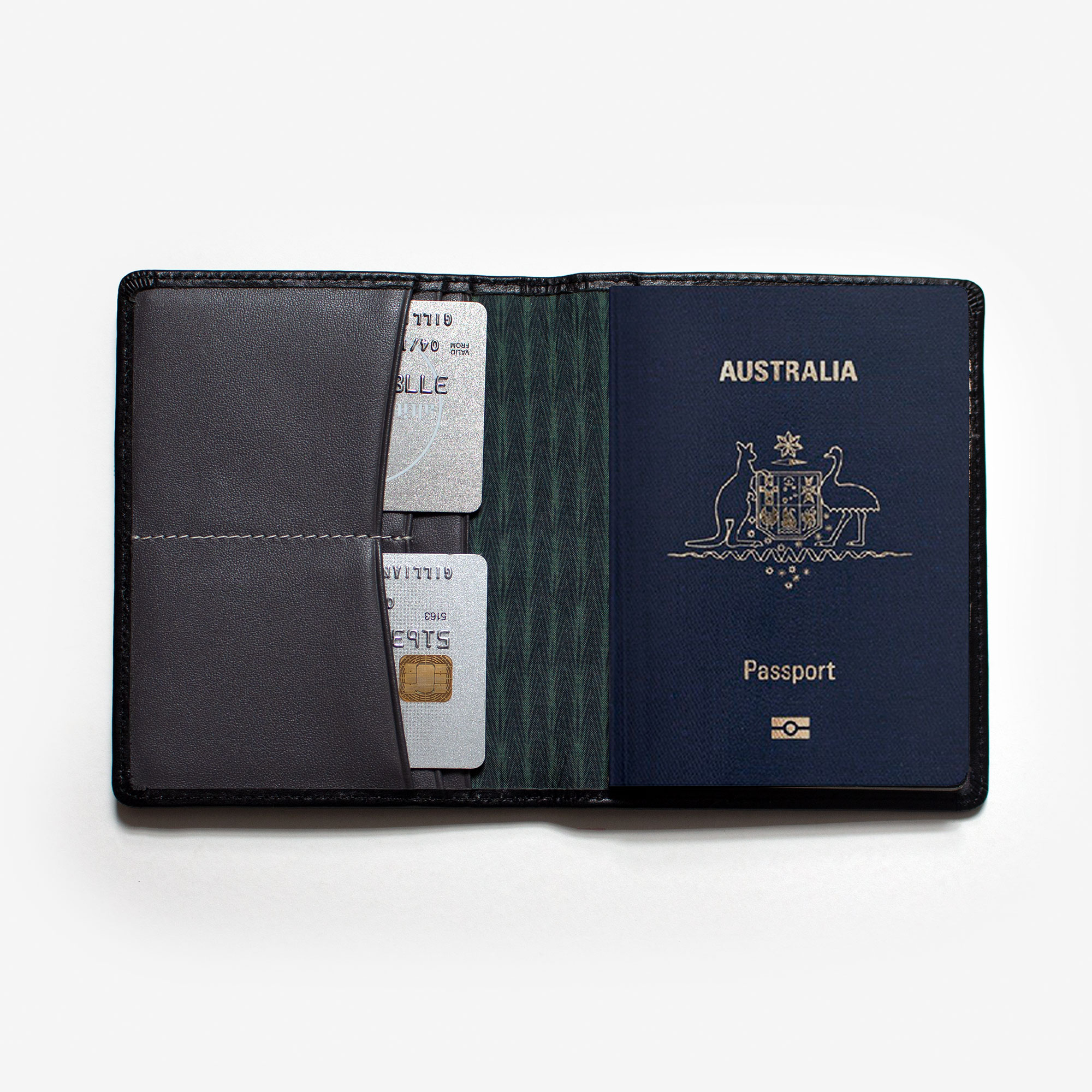 73601-passport-holder-elliot-black-1